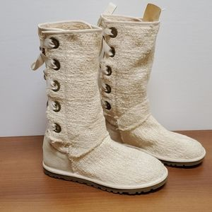 UGG Heirloom Cream Lace Up Boot Rare